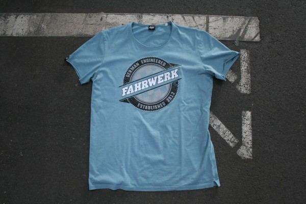 FAHRWERK_T-Shirt_LIO_german-engineered_blau_4